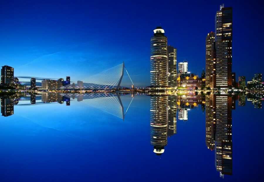 Rotterdam – Shine a light